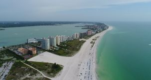 Playa aérea y vista al mar