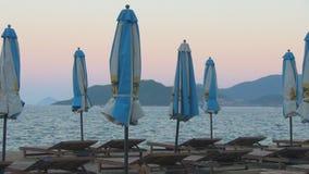 Playa abandonada sunbeds apertura o cierre de la estación nadie metrajes
