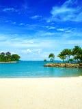 Playa aislada de la laguna en las zonas tropicales fotografía de archivo libre de regalías