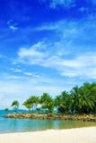 Playa aislada de la laguna en las zonas tropicales imágenes de archivo libres de regalías