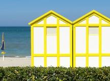 Playa amarilla de la cabina en Rímini Imagen de archivo libre de regalías