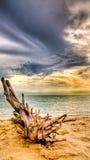 Playa antes de la lluvia Fotos de archivo