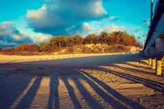 Playa arenosa abandonada Palanga, Lituania Fotos de archivo