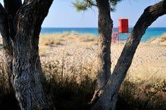 Playa asoleada en Grecia Foto de archivo