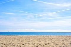 Playa asombrosa Platja Nova Icaria o Barceloneta de Barcelona de la opinión del mar Fotografía de archivo
