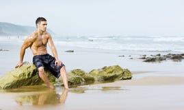 Playa atractiva del hombre Foto de archivo