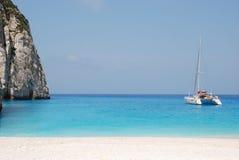 Playa azul Grecia del mar de la isla de Navagio - de Zakynthos Imágenes de archivo libres de regalías