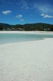 Playa blanca de la arena foto de archivo