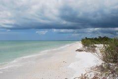Playa blanca de la arena de Tigertail de la Florida Fotografía de archivo libre de regalías