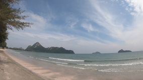 Playa blanca de la arena en un tropical almacen de video