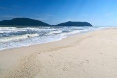 Playa blanca de la arena, playa de Phraya Nakhon Fotografía de archivo libre de regalías