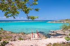 Playa Caletta,在吉隆滩附近的自然水池,猪古巴海湾  免版税库存照片