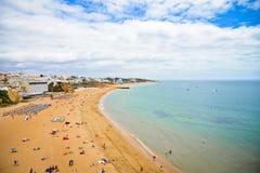 Playa cerca de Nazare, Portugal Imágenes de archivo libres de regalías
