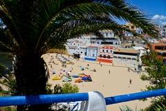 Playa cerca de Nazare, Portugal Fotos de archivo