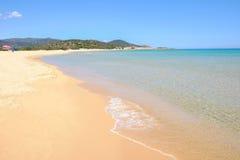 Playa Chia en Cerdeña, Italia Imagen de archivo libre de regalías