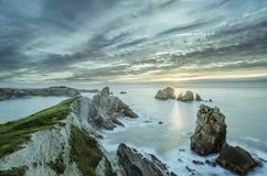 Playa con las rocas Fotografía de archivo