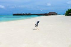 Playa con Maldivas Fotos de archivo