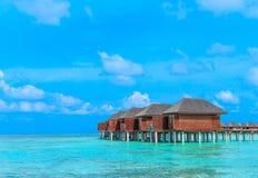 Playa con Maldivas imagen de archivo libre de regalías