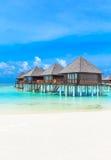 Playa con Maldivas fotos de archivo libres de regalías
