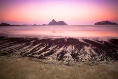Playa crepuscular imágenes de archivo libres de regalías