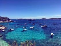Playa croata azul fotos de archivo