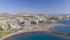 Playa de美洲日报,特内里费岛, Cana大厦和海岸线  免版税库存图片