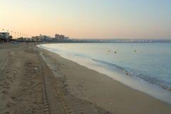 在日出前的空的Playa de帕尔马海滩 库存照片