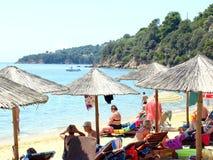 Playa de Achladia, Skiathos, Grecia imagen de archivo