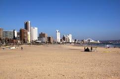 Playa de Addington de la madrugada en Durban Suráfrica fotos de archivo