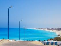 Playa de Agiba en Marsá Matrú foto de archivo