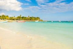 Playa de Akumal - playa de la bahía del paraíso en Quintana Roo, México - costa del Caribe Foto de archivo libre de regalías