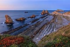 Playa de Arnia, Cantabria, España imagenes de archivo
