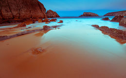 Playa de Arnia, playa mágica Santander españa foto de archivo