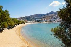 Playa de Batsi en Andros, Grecia Imagen de archivo libre de regalías