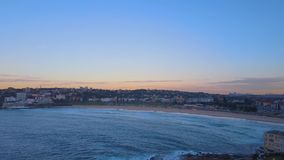 Playa de Bondi, opinión aérea de Sydney, Australia almacen de video
