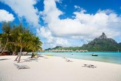 Playa de Bora Bora Imagen de archivo libre de regalías