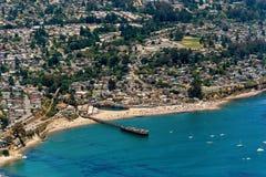 Playa de Capitola en la opinión aérea de California imágenes de archivo libres de regalías