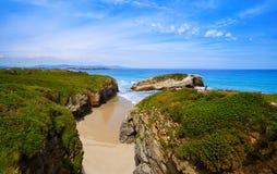 Playa de Catedrais de los catedrales de los las de Playa en Galicia España foto de archivo