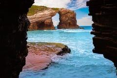 Playa de Catedrais de los catedrales de los las de Playa en Galicia España imágenes de archivo libres de regalías