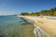 Playa de centro de la travesía, turco magnífico, turcos y Caicos, del Caribe Imagen de archivo libre de regalías