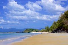 Playa de Chenang en Langkawi, Malasia imagen de archivo libre de regalías