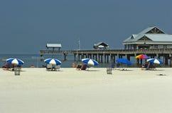 Playa de Clearwater del embarcadero imágenes de archivo libres de regalías