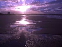 Playa de Coolangatta de la alta marea imagen de archivo