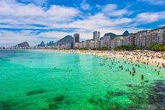 Playa de Copacabana en Rio de Janeiro fotografía de archivo libre de regalías