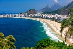 Playa de Copacabana en Rio de Janeiro, el Brasil imagen de archivo