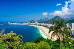 Playa de Copacabana en Rio de Janeiro, el Brasil imagen de archivo libre de regalías