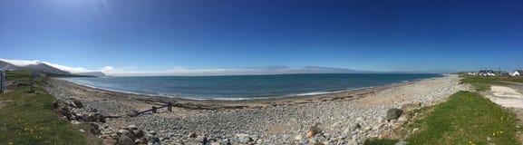 Playa de Dinlle del Dinas cerca de Carnarfon foto de archivo