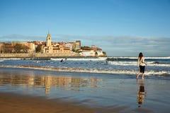 Playa de Gijón Imagen de archivo libre de regalías