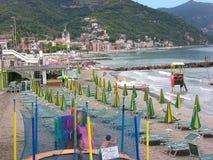 Playa de Italia Laigueglia foto de archivo