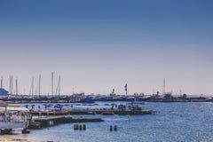 Playa de Juan Les Pins, destino turístico mediterráneo en el franco Imagenes de archivo